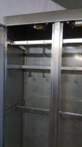 Шкаф для хранения и дезинфекции инструмента, спецодежды